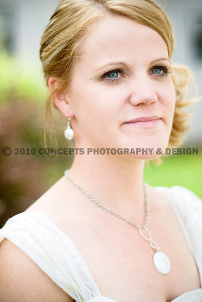 The bride's sister custom-made all the bridal and bridal party jewelry