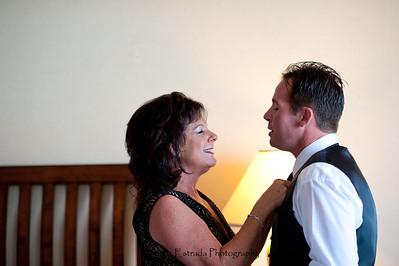 Becca Estrada Photography - Deines Wedding - Getting Ready -  (29)