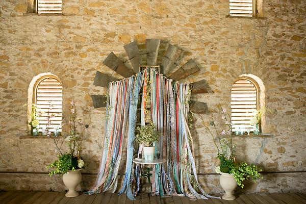 2014-HistoricTaylorBarn-Wedding-013