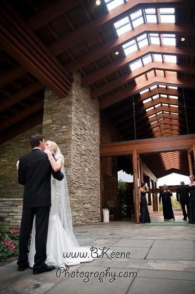 BrideGroomFamily_TomMegan_BKeenePhotography_015