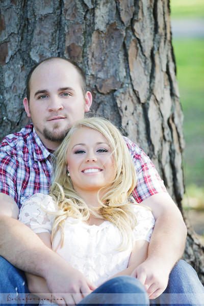 Beaumont-Engagement-Melanie-Trey-2011-05