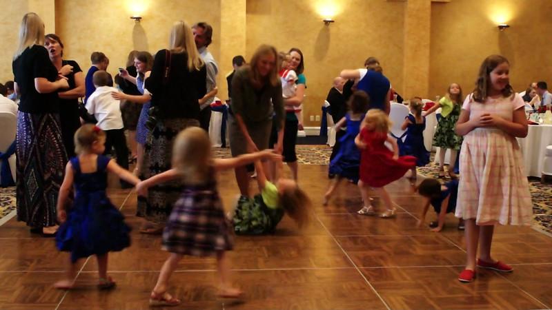 008 - Kids Dancing