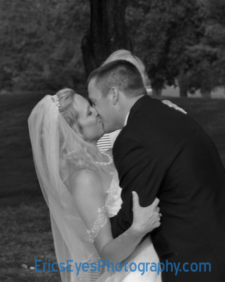 The Kiss Closeup bw