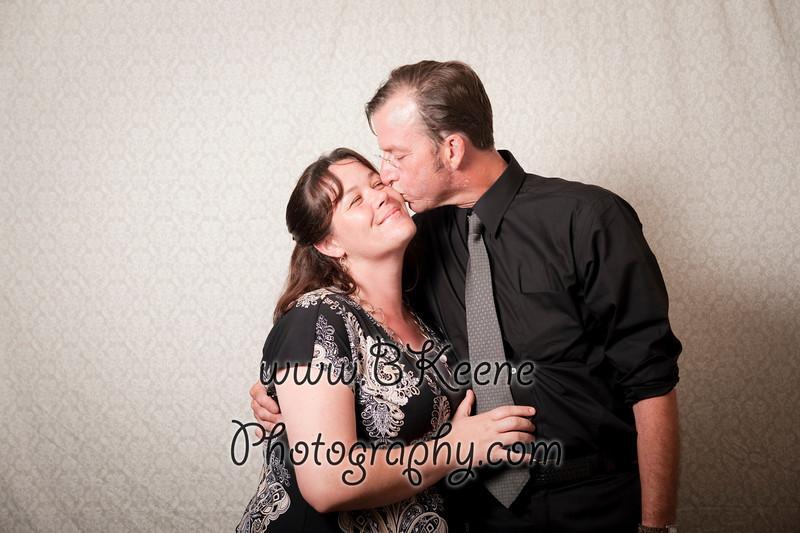 BK_2011_MikeSabrina_Wedding_PhotoBooth040
