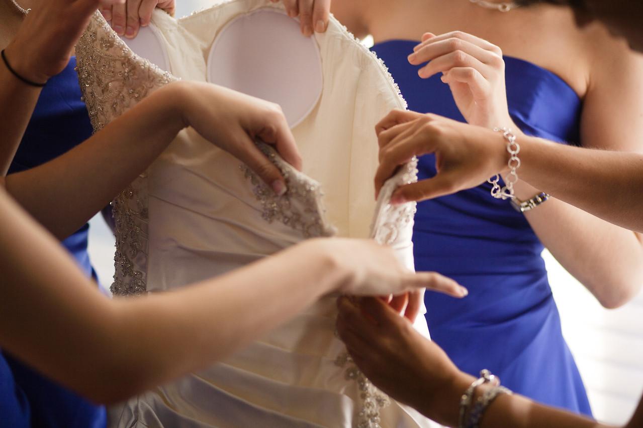 01 - Bride Getting Ready-0028