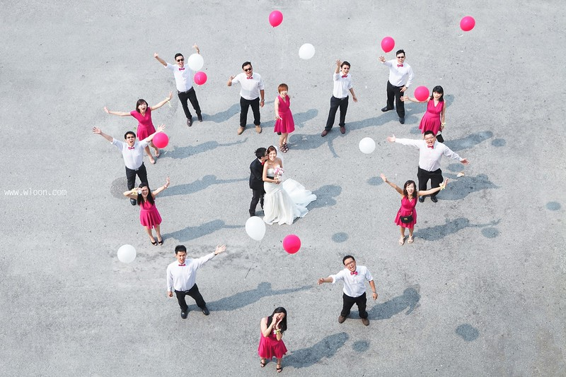 creative bridal party photo