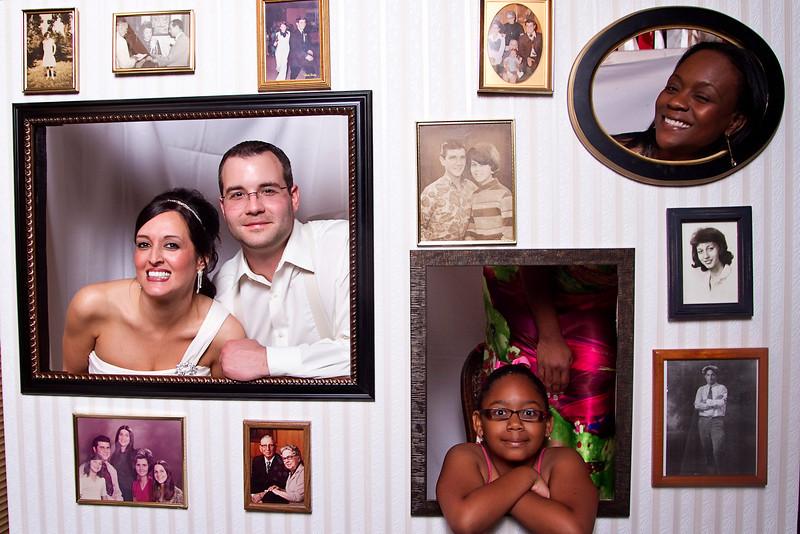 Mona-Photobooth-03272010-66