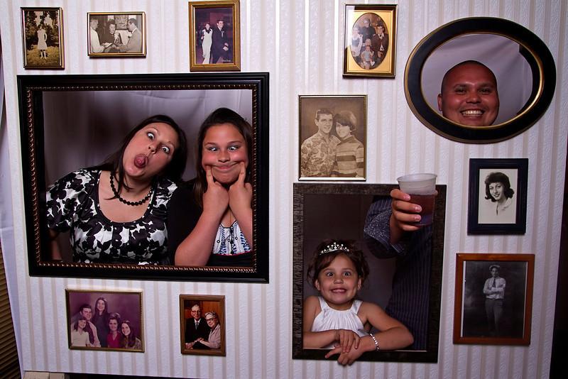 Mona-Photobooth-03272010-07
