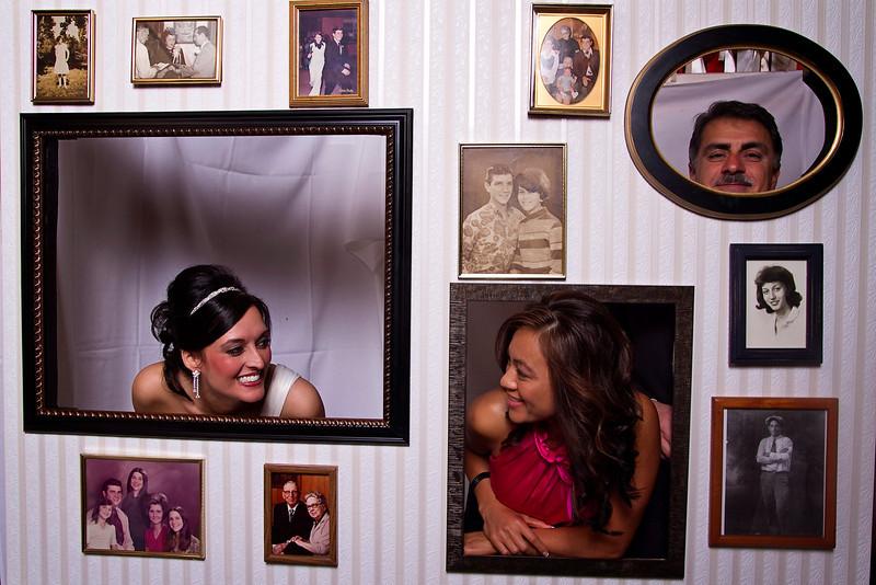 Mona-Photobooth-03272010-13