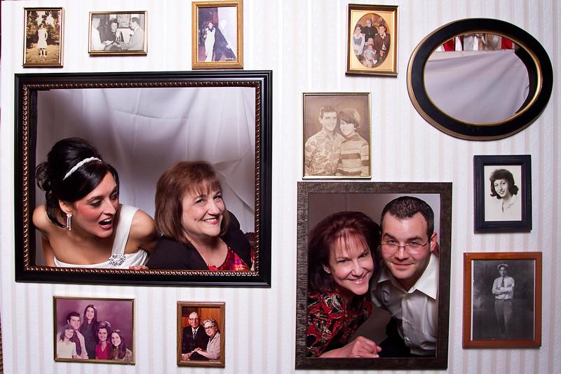 Mona-Photobooth-03272010-64