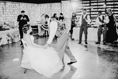 04326--©ADHPhotography2018--MorganBurrellJennaEdwards--Wedding--2018April21