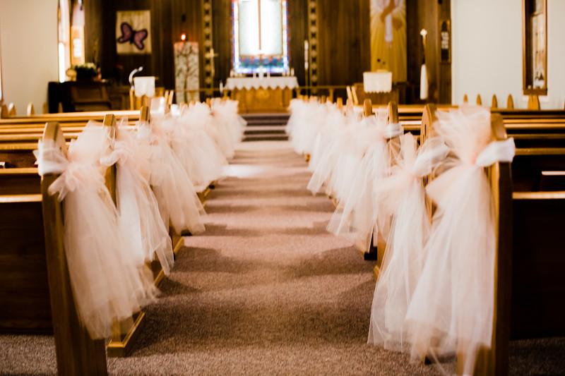 00007--©ADHPhotography2018--MorganBurrellJennaEdwards--Wedding--2018April21