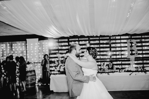 04066--©ADHPhotography2018--MorganBurrellJennaEdwards--Wedding--2018April21