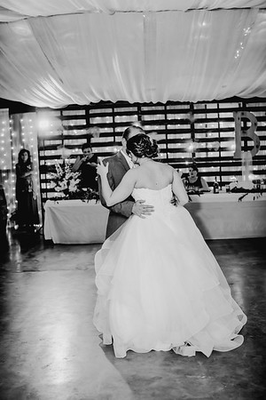 04056--©ADHPhotography2018--MorganBurrellJennaEdwards--Wedding--2018April21