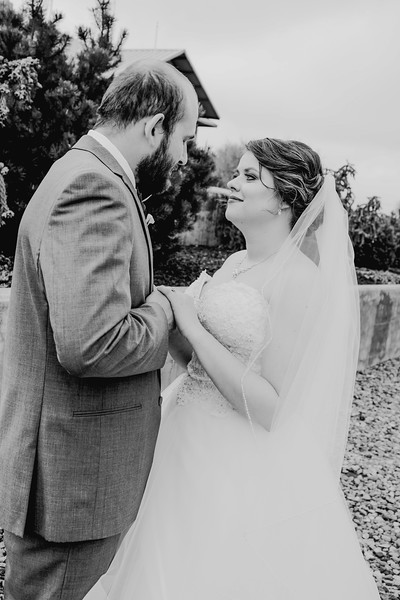 00832--©ADHPhotography2018--MorganBurrellJennaEdwards--Wedding--2018April21