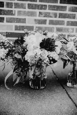 00216--©ADHPhotography2018--MorganBurrellJennaEdwards--Wedding--2018April21