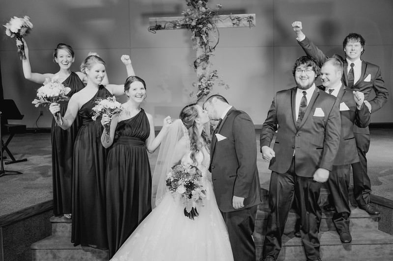 00830--©ADHPhotography2016--AlbertsWilcoxWedding