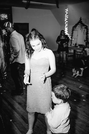 05588--©ADHPhotography2017--ClintBeguinShelbyCook--Wedding