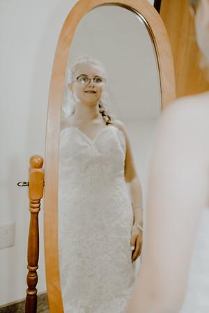 00207--©ADHPhotography2017--HeathBrownReneeFelber--Wedding