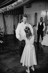 05808--©ADHPhotography2017--HeathBrownReneeFelber--Wedding