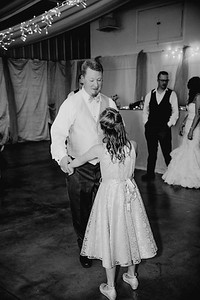 05806--©ADHPhotography2017--HeathBrownReneeFelber--Wedding
