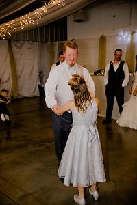 05807--©ADHPhotography2017--HeathBrownReneeFelber--Wedding