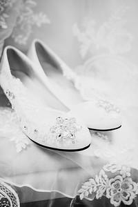 00110--©ADHPhotography2017--HeathBrownReneeFelber--Wedding