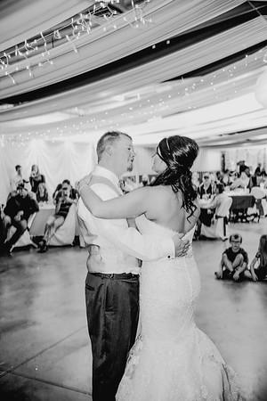 06070--©ADHPhotography2017--HeathBrownReneeFelber--Wedding