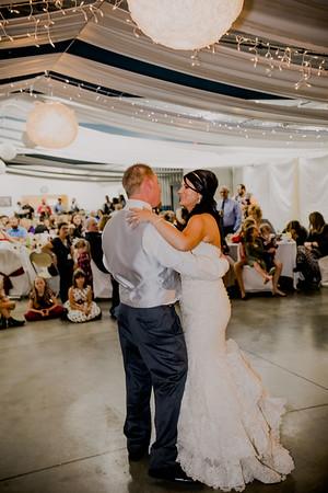 06059--©ADHPhotography2017--HeathBrownReneeFelber--Wedding