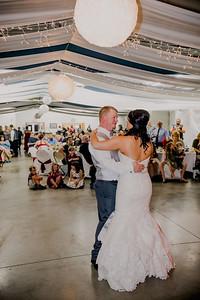 06061--©ADHPhotography2017--HeathBrownReneeFelber--Wedding