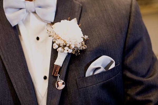 01441--©ADHPhotography2017--HeathBrownReneeFelber--Wedding