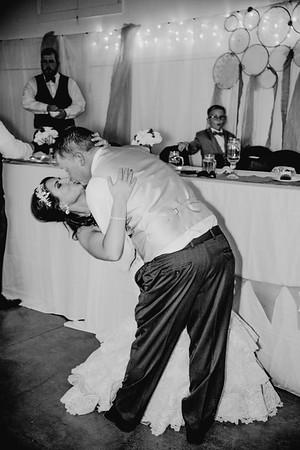 05226--©ADHPhotography2017--HeathBrownReneeFelber--Wedding