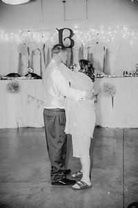 06352--©ADHPhotography2017--HeathBrownReneeFelber--Wedding