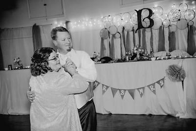 06334--©ADHPhotography2017--HeathBrownReneeFelber--Wedding