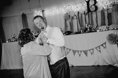 06340--©ADHPhotography2017--HeathBrownReneeFelber--Wedding