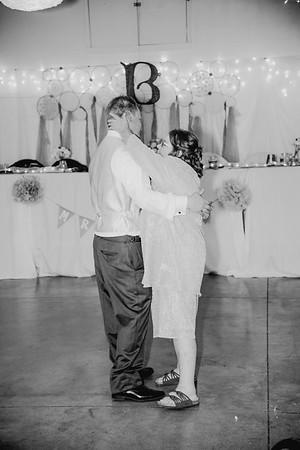 06350--©ADHPhotography2017--HeathBrownReneeFelber--Wedding