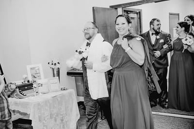 05048--©ADHPhotography2017--HeathBrownReneeFelber--Wedding