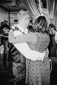 06506--©ADHPhotography2017--HeathBrownReneeFelber--Wedding