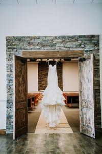 00007--©ADHPhotography2017--HeathBrownReneeFelber--Wedding