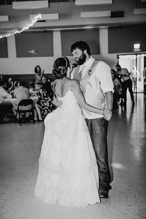 05828--©ADHPhotography2017--DerekHelmsAllisonRodriguez--Wedding