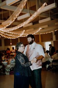 06033--©ADHPhotography2017--DerekHelmsAllisonRodriguez--Wedding
