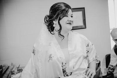 00884--©ADHPhotography2017--CodyKristinaMessersmith--Wedding