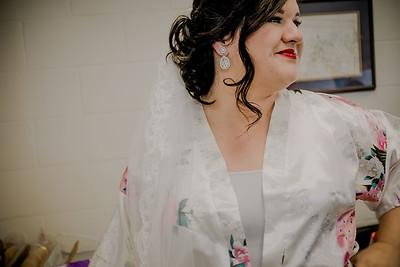 00881--©ADHPhotography2017--CodyKristinaMessersmith--Wedding
