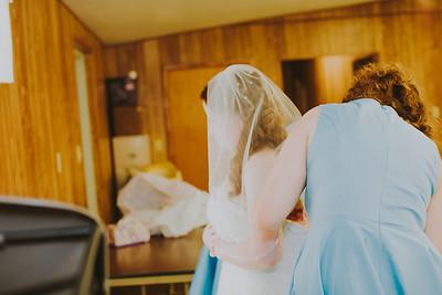 00885--©ADH Photography2017--ToddTeriShively--Wedding