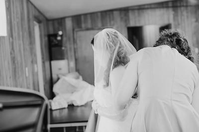 00884--©ADH Photography2017--ToddTeriShively--Wedding