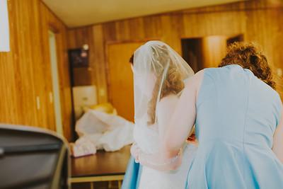 00883--©ADH Photography2017--ToddTeriShively--Wedding