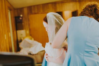 00889--©ADH Photography2017--ToddTeriShively--Wedding