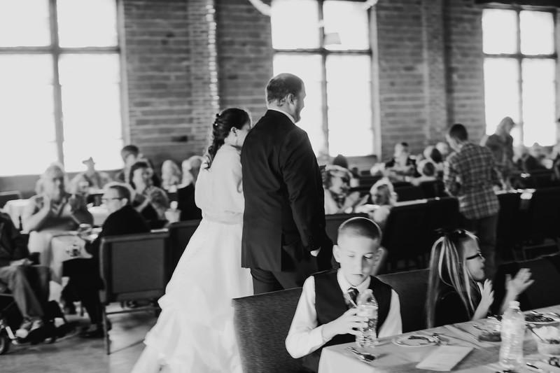 04856--©ADH Photography2017--ToddTeriShively--Wedding