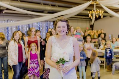 05013--©ADH Photography2017--MrAndMrsViox--Wedding