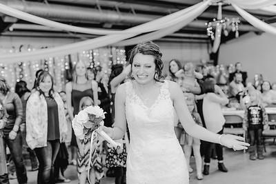 05022--©ADH Photography2017--MrAndMrsViox--Wedding